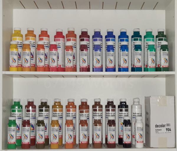 Farbpalette Volltonfarbe mit verschiedenen Gebindegrößen